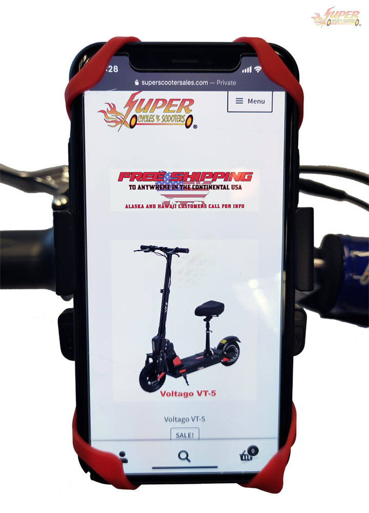 Phone holder with smart phone on scooter